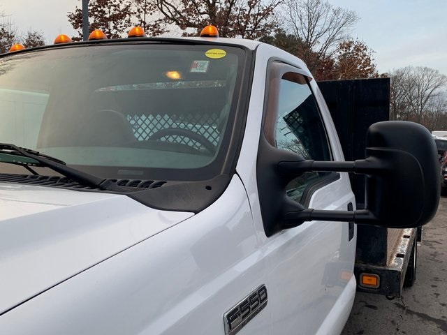 Pre-Owned 2006 Ford F-550SD XL