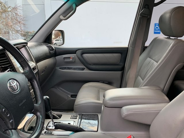 Pre-Owned 2006 Toyota Land Cruiser Base